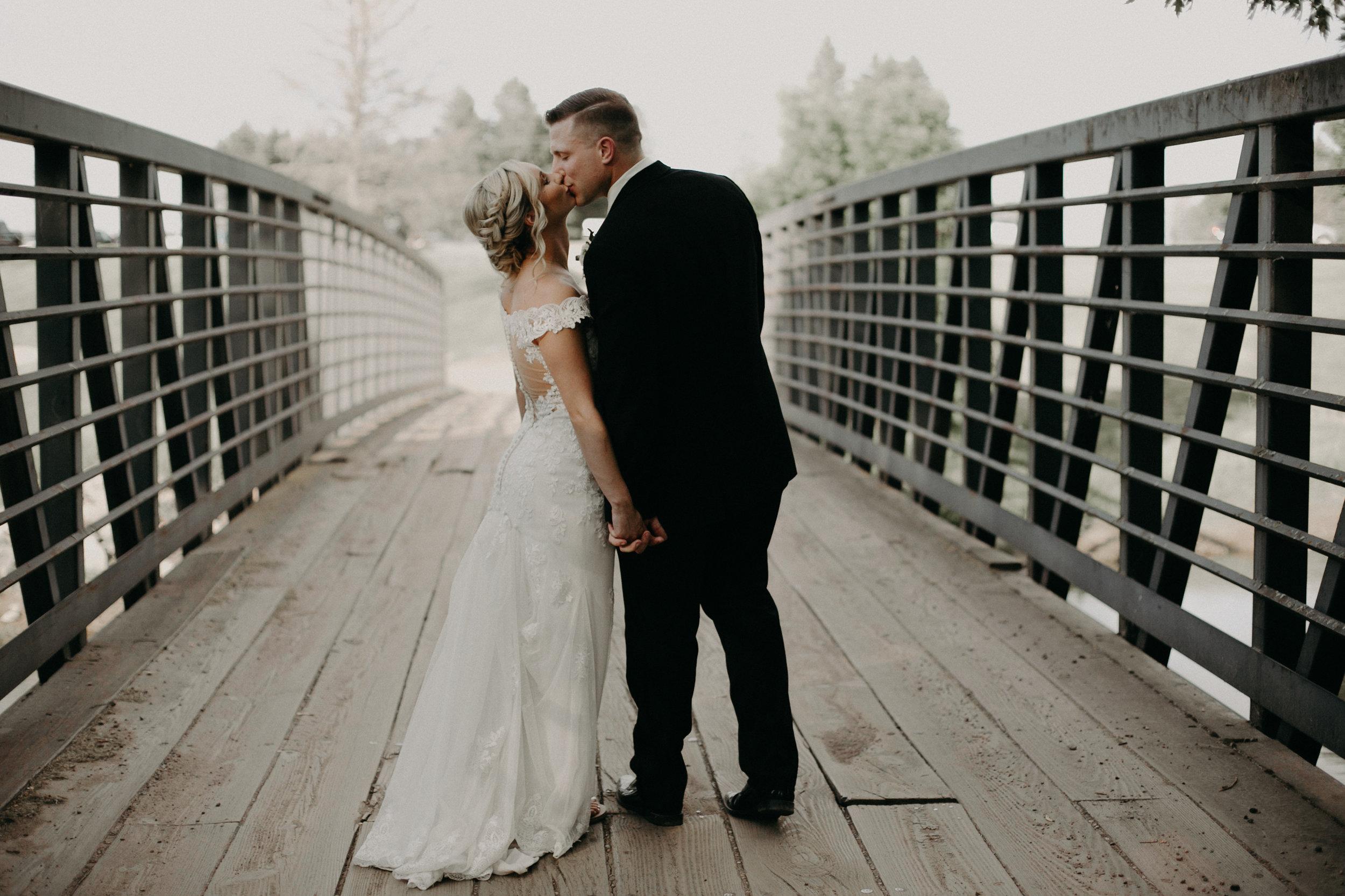 RiverEdge bride and groom portraits wedding photography Marshfield WI