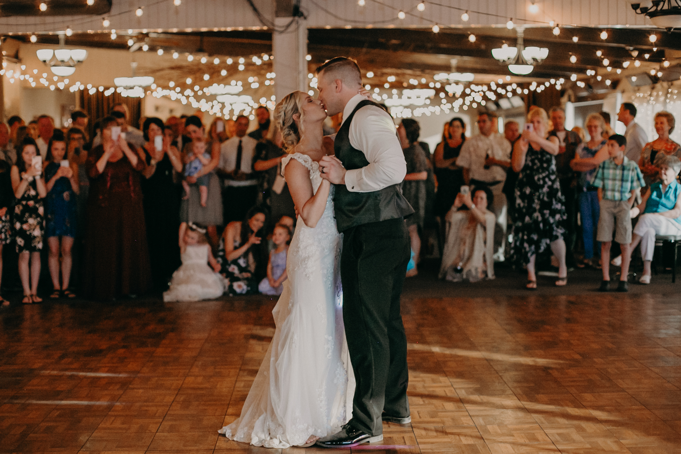 RiverEdge Golf Club first wedding dance photographed by Andrea Wagner