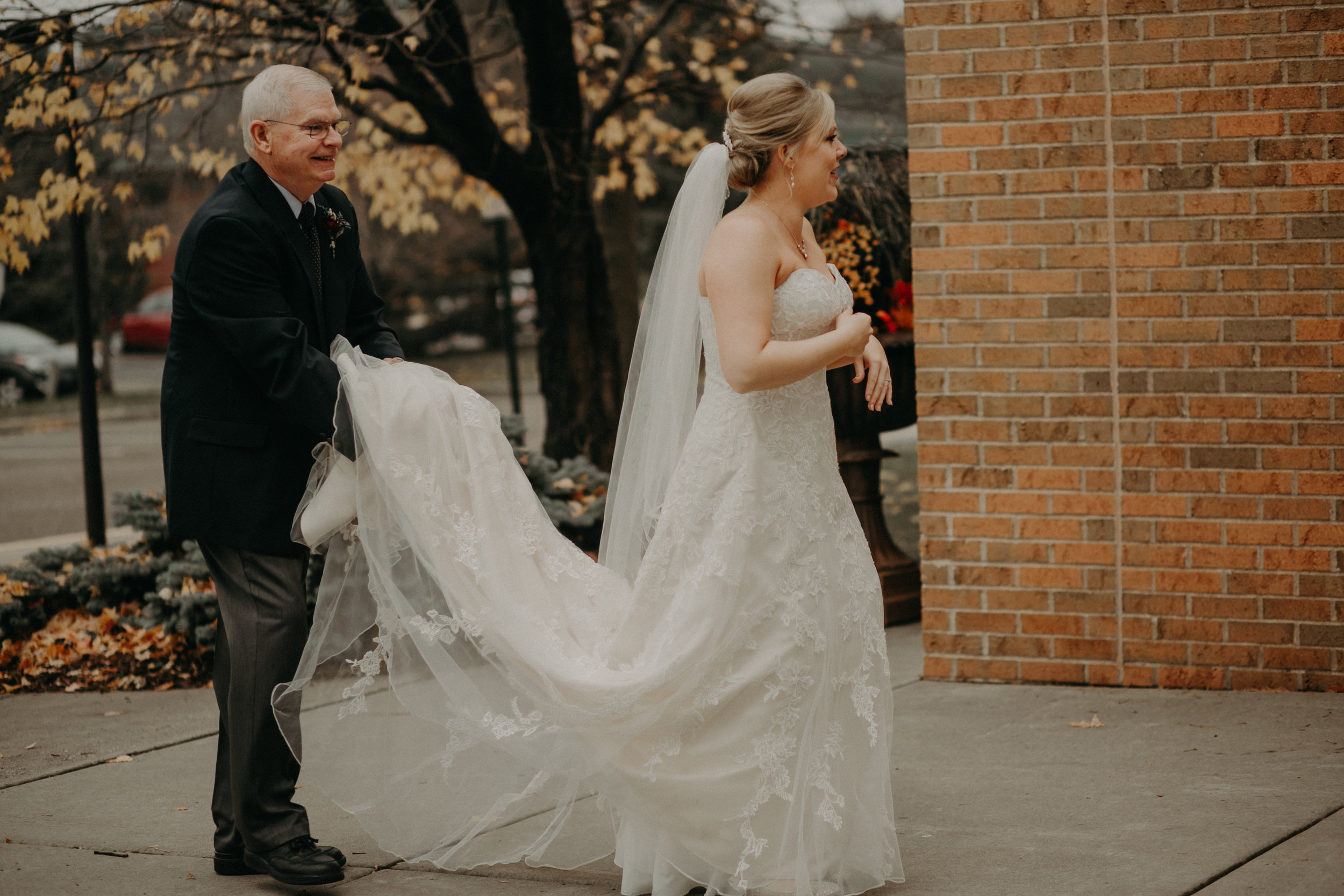 moody and authentic wedding photographer Andrea Wagner captures moments of a River Falls WI wedding day