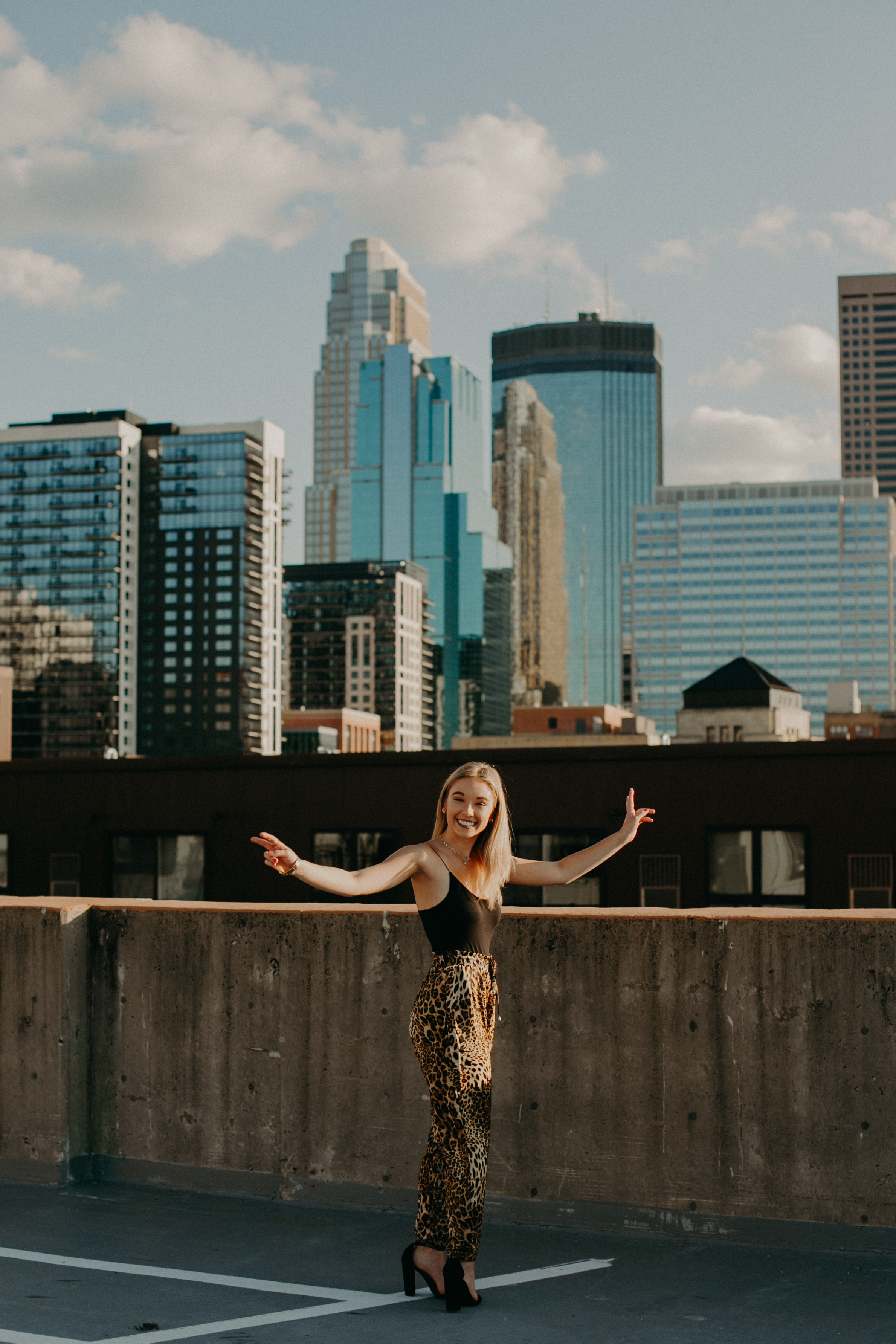 Andrea Wagner Photography captures vibrant and fun senior session in downtown Minneapolis