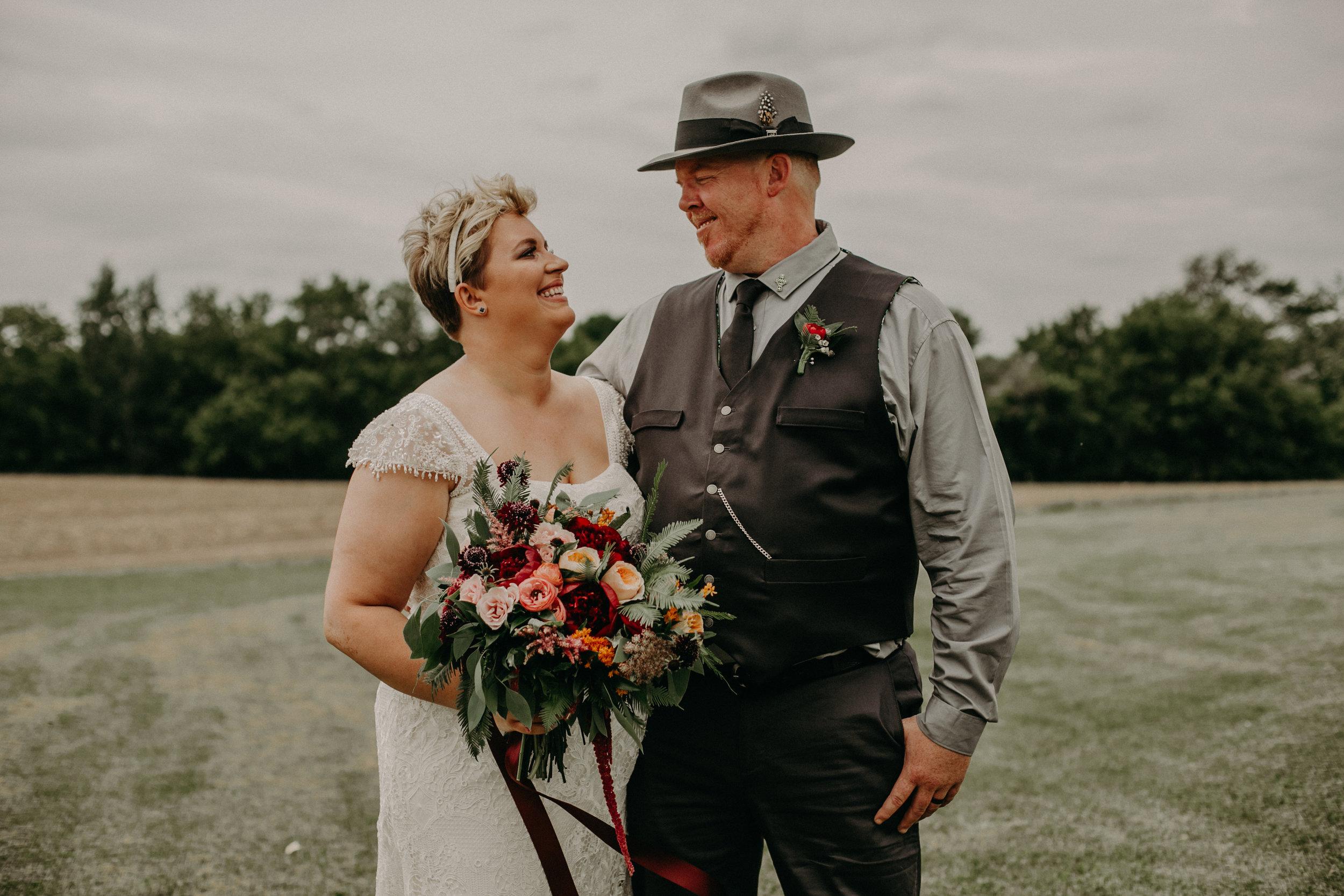 ellsworth wi wedding photographer Andrea Wagner captures outdoor portraits of bride and groom