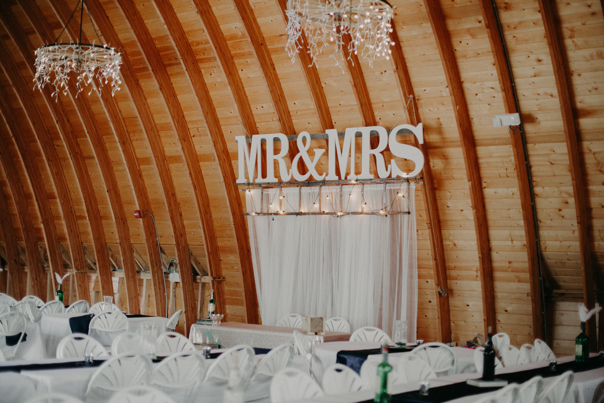 Ellsworth_WI_Barn_Jean_Acres_Wedding_AWP (27 of 57).jpg