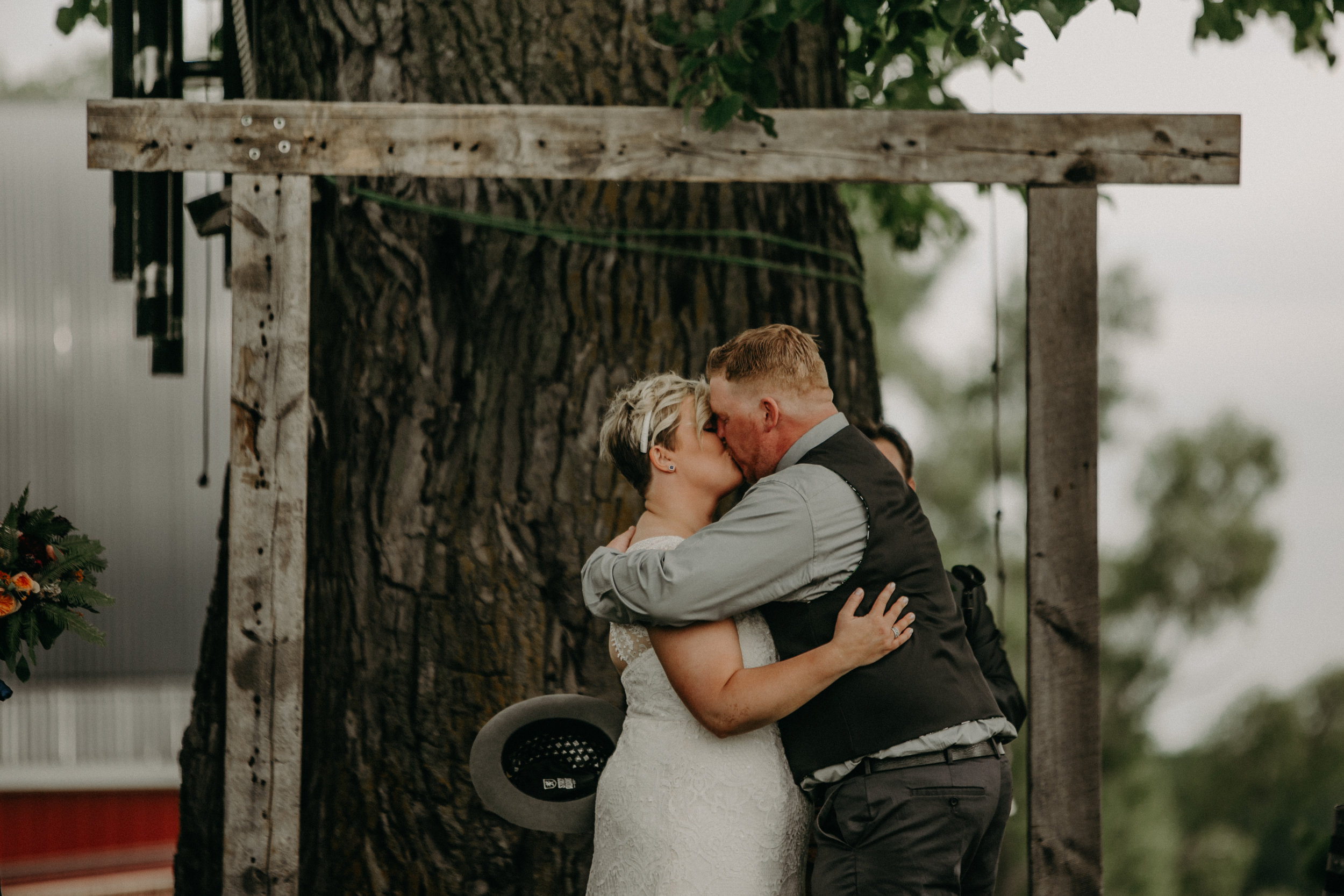 Ellsworth_WI_Barn_Jean_Acres_Wedding_AWP (39 of 57).jpg