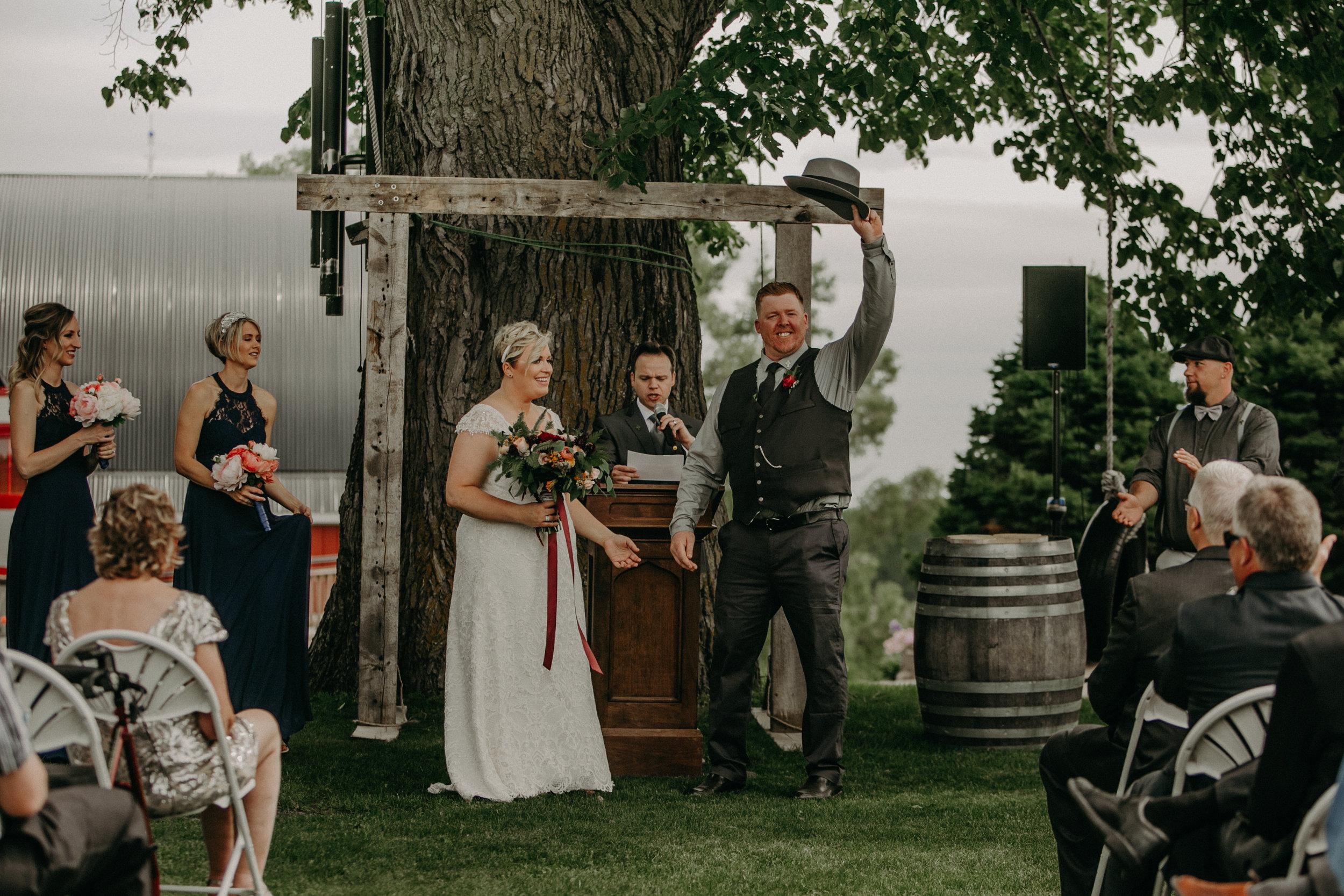 Ellsworth_WI_Barn_Jean_Acres_Wedding_AWP (40 of 57).jpg