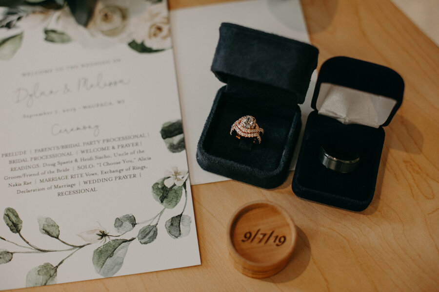 William Thomas Jewelers in Madison WI provides beautiful wedding rings for Waupaca bride and groom wedding