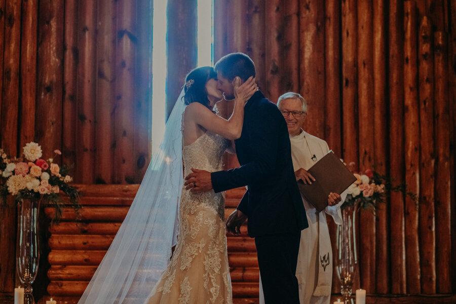 Hancock_Stichert_Wedding_Pine_Lake_Waupaca_250.jpg