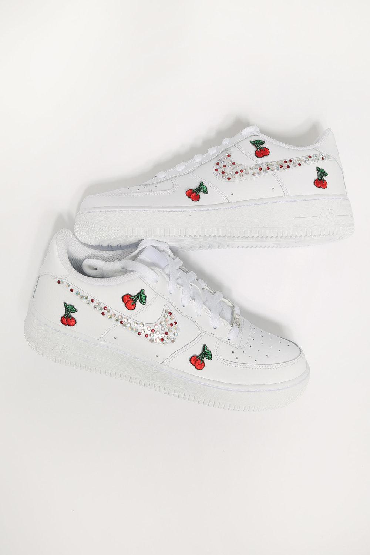 hermosa bruscamente agudo  custom cherry diamonds white nike air force 1 — iamkoko.la