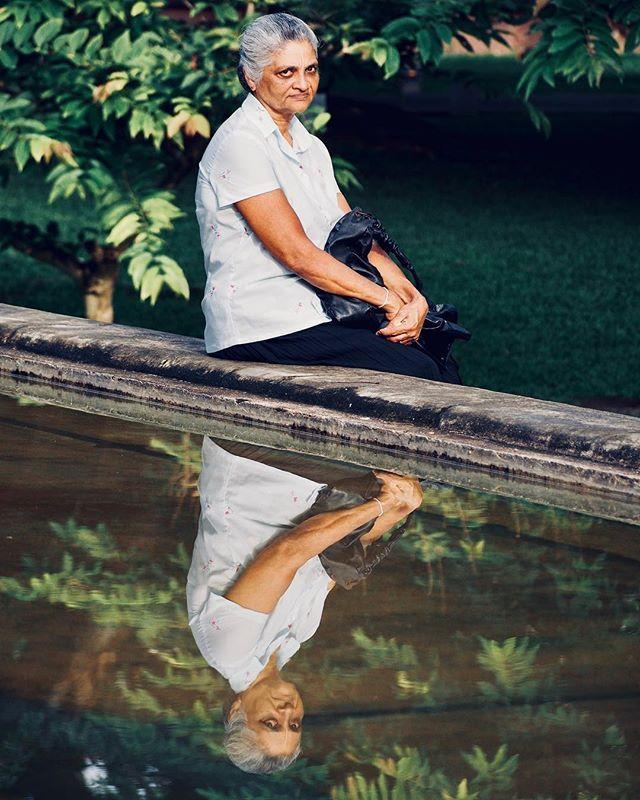 SriLankan lady. #portrait #lady #sri_lanka #srilanka #independencesquare #lady #reflex #water #waterreflex #southasia #subcontinent #olympus #olympusomd #em5 #colombo #micro43rds #microfourthirds   #lumixlens — view on Instagram  https://ift.tt/2lFYMv4