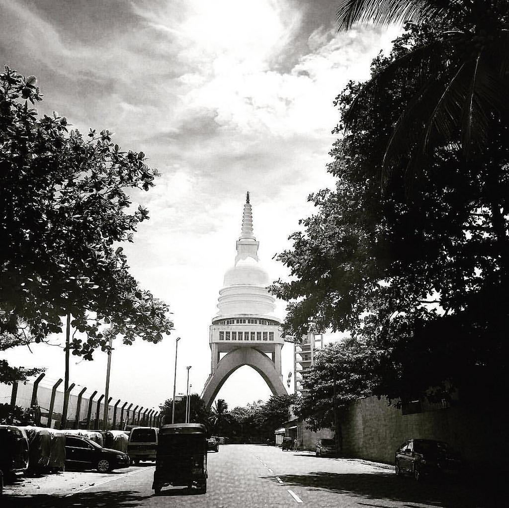 #Colombo #sri_lanka #tuktuk #stupa #asia #ceylon #blackandwhite #streetphotography