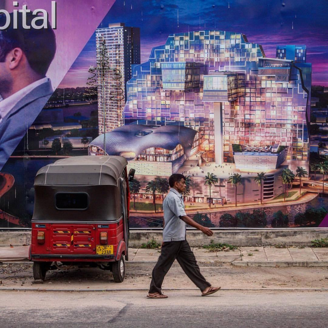 Future dreams #Ceylon #sri_lanka #colombo #street_photography #color #construction #citylife #future #asia  (at Colombo, Sri Lanka)