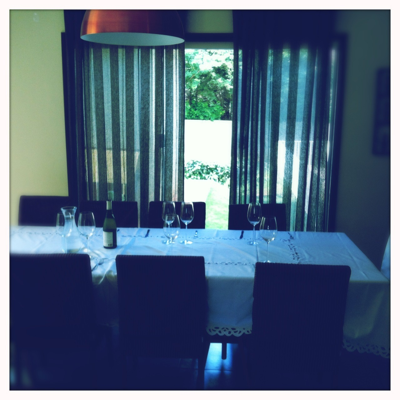 La table est prêt pour là dégustation   Americana Lens, Blanko Film, No Flash, Taken with  Hipstamatic