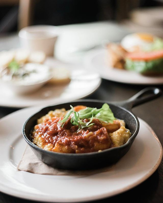 Lazy schedules, quiet towns and obvs delicious brunches like cast iron shrimp and grits make for the best vacations. Has anyone else been to Boerne before?