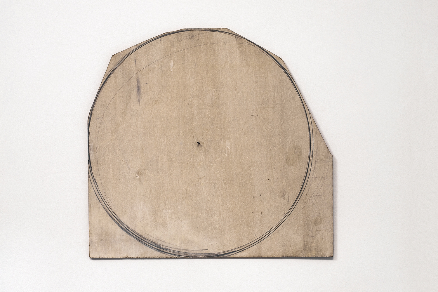 Nahum Tevet, Circle, 1974. Pencil and acrylic-based house paint on plywood, 23 1/4 x 21 7/16 in (58 x 54.5 cm). Collection of the artist. Photo by Polite Photographic, courtesy of the Hunter College Art Galleries and the artist.