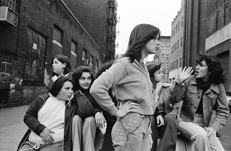 Susan Meiselas,  Little Italy, hanging out on Baxter Street , 1978. © Susan Meiselas / Magnum Photos
