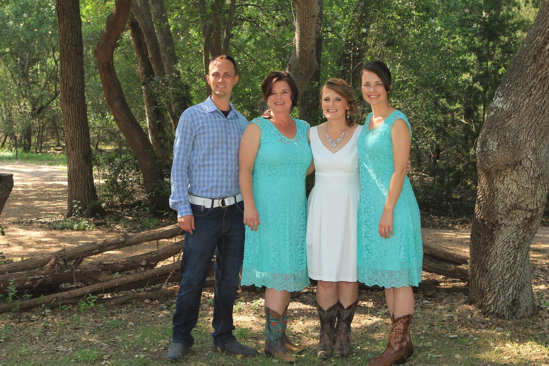 Driftwood TX + Wedding+ Bride and her siblings.jpg