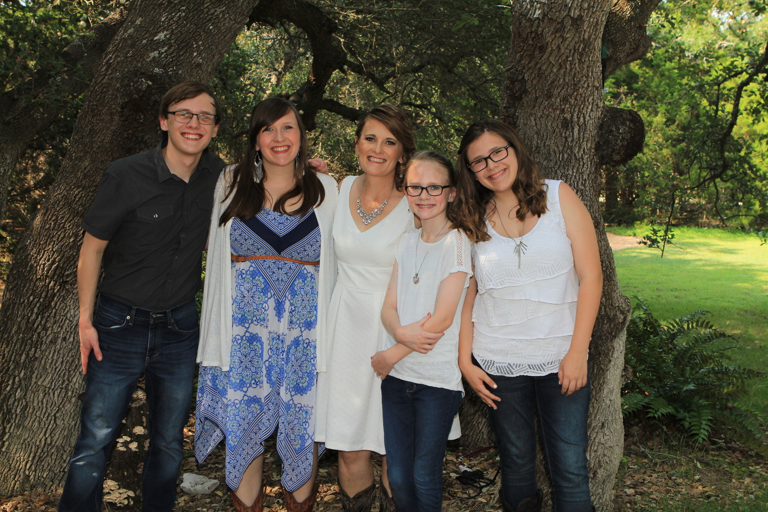 Rustic themed +wedding + Bride and her kids.jpg