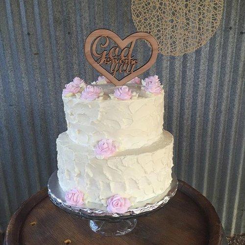 Rustic themed +wedding + Cake.jpg