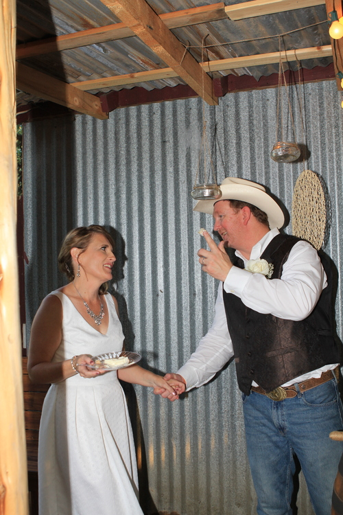 Rustic themed +wedding+ who gets the cake.jpg