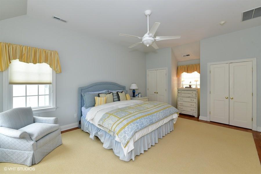 45B Second BedroomPic1 .jpg