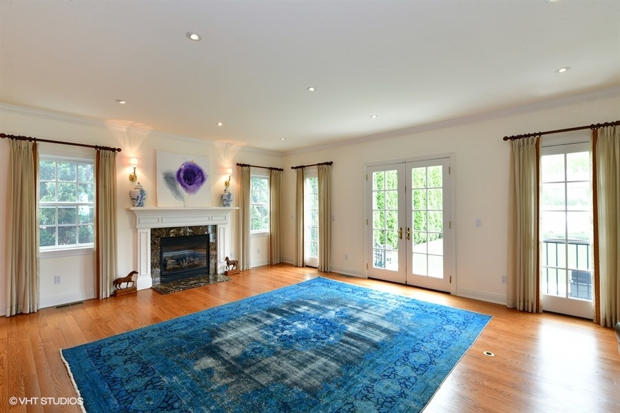 45 William Street Living Room without  Furniture.jpg