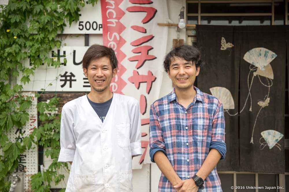 At the entrance, with the owner Mr. Yoshikage Sagara