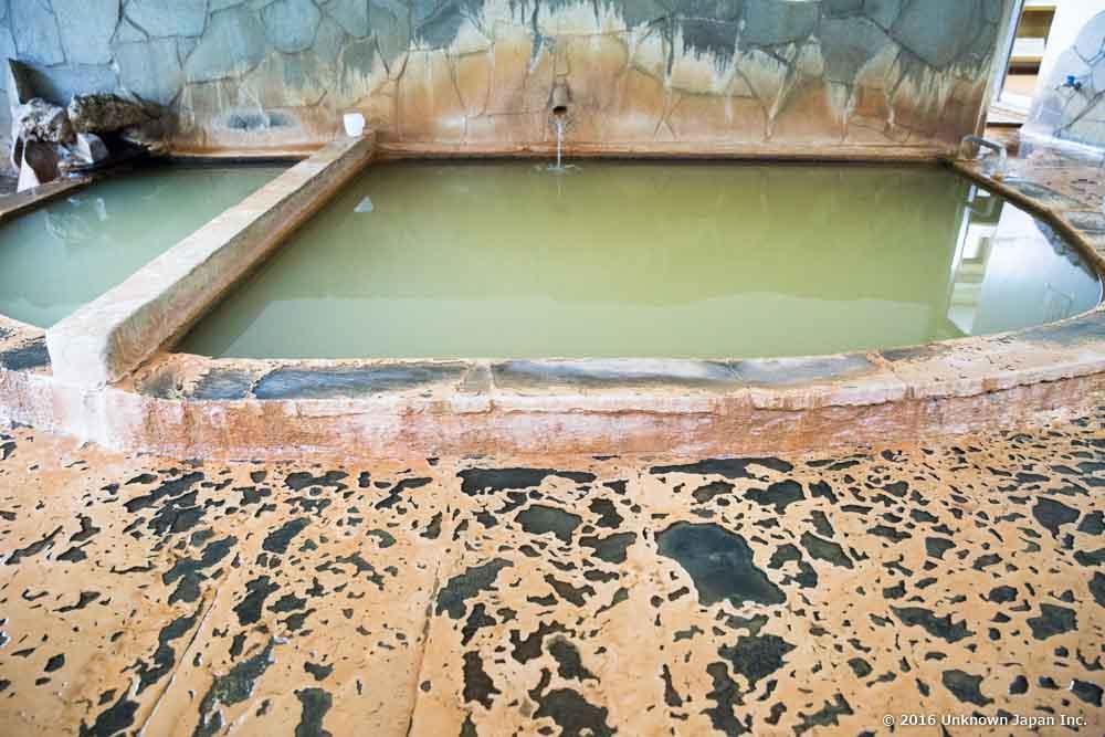 Suwa onsen, bath