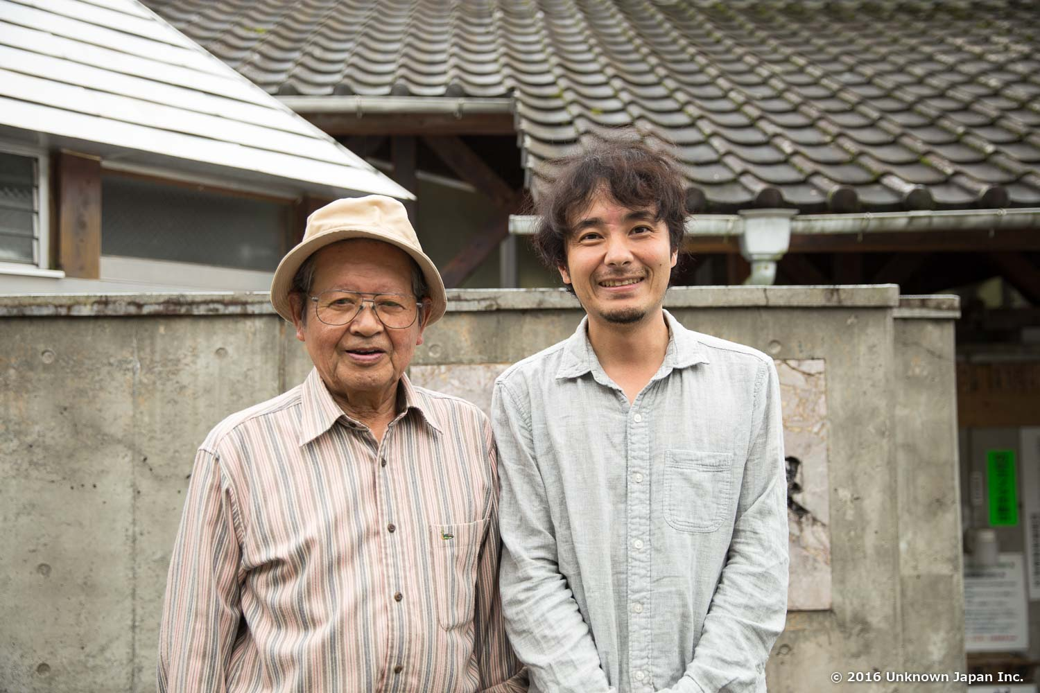 With  Katsuya Goto , a member of managers, in front of  Nuruyu Onsen