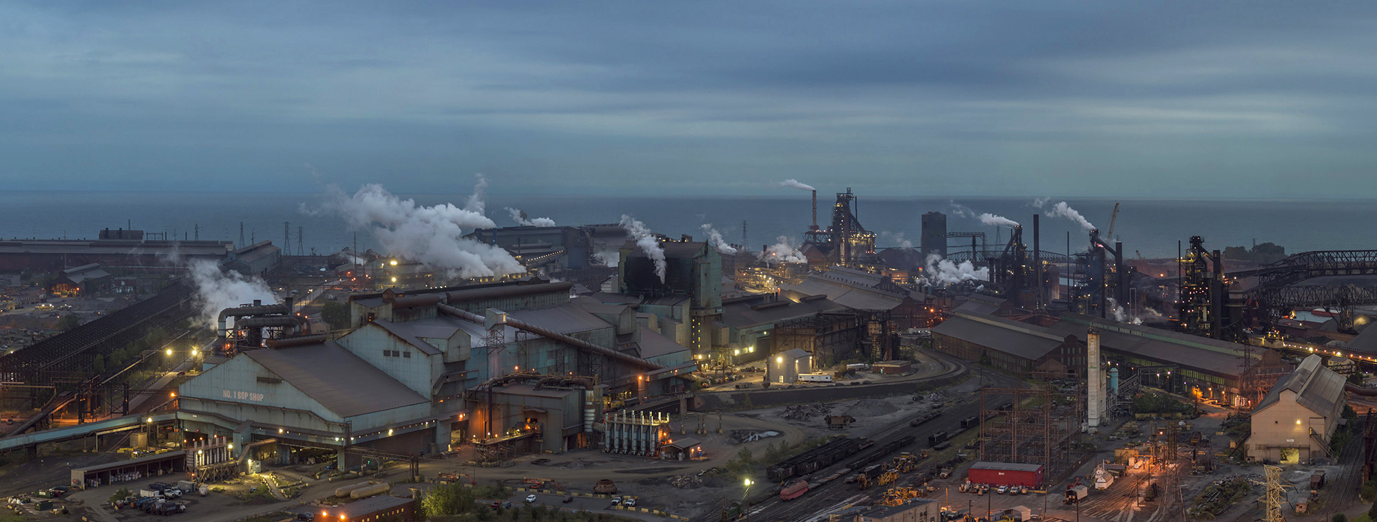 009_Peter_Essick-Steel_Mill_Lake_MIchigan_Gary_Indiana.jpg