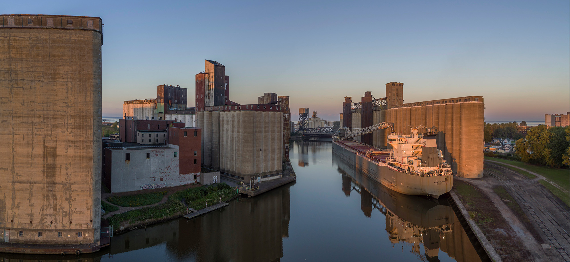 011_Peter_Essick-Buffalo_River_New_York.jpg