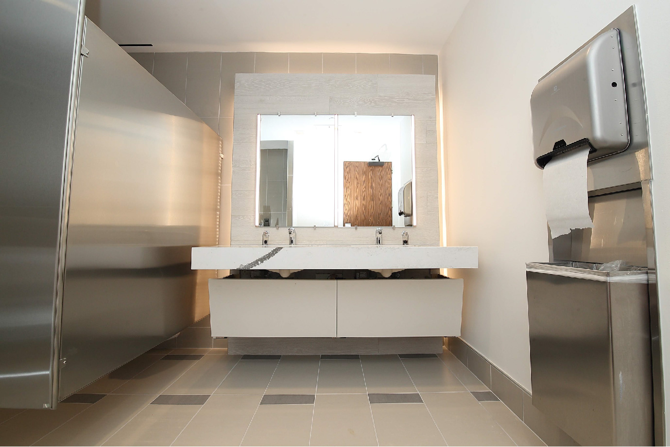 greenway-plaza-restroom5.jpg