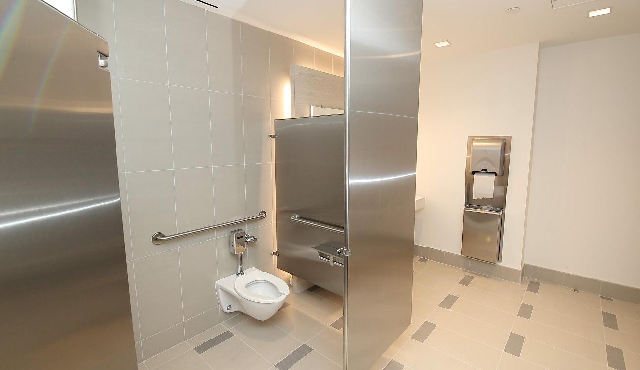 greenway-plaza-restroom9.jpg
