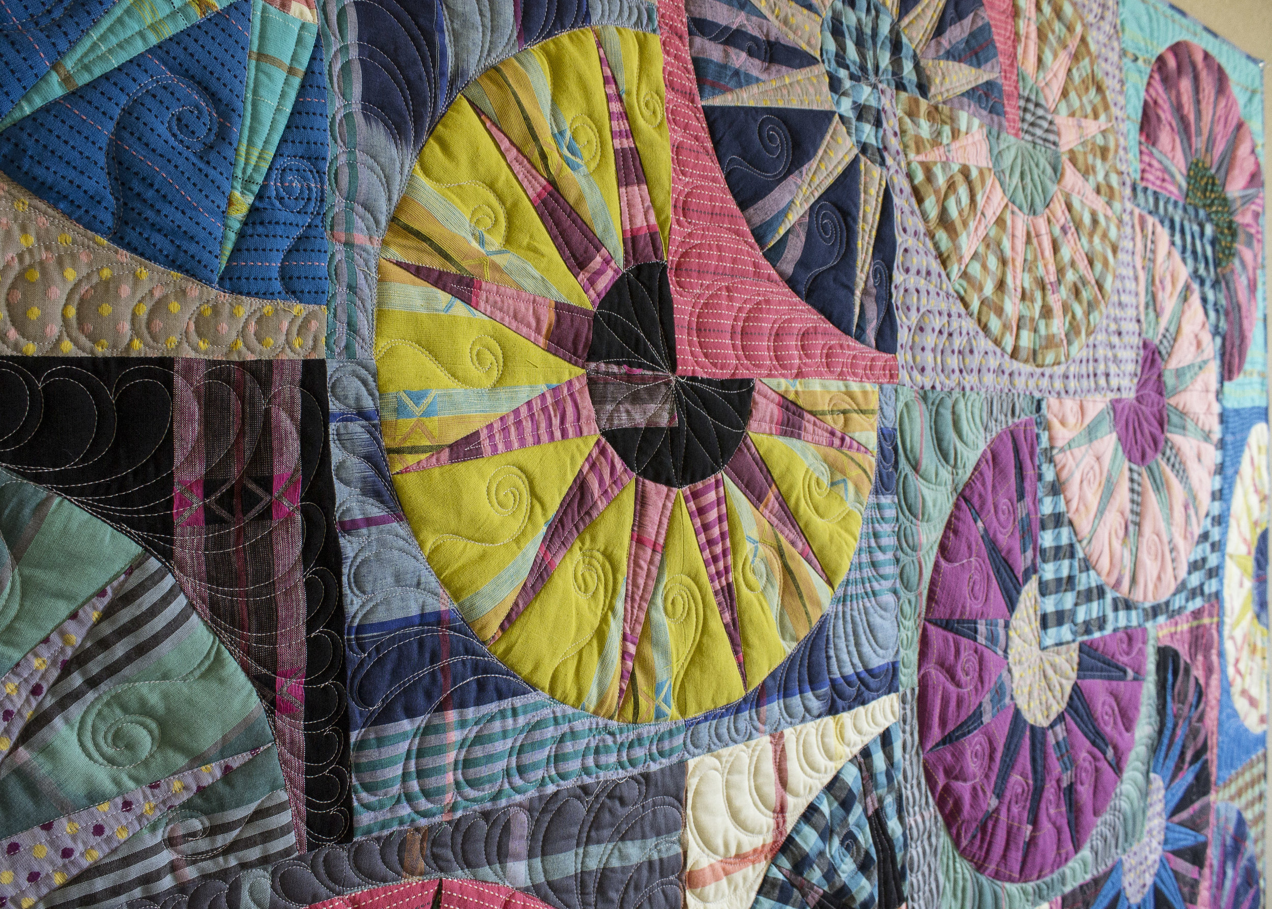 Spring Special: Flat rate shipping of $5 for services over $100! Quilts must be received by March 31, 2019.