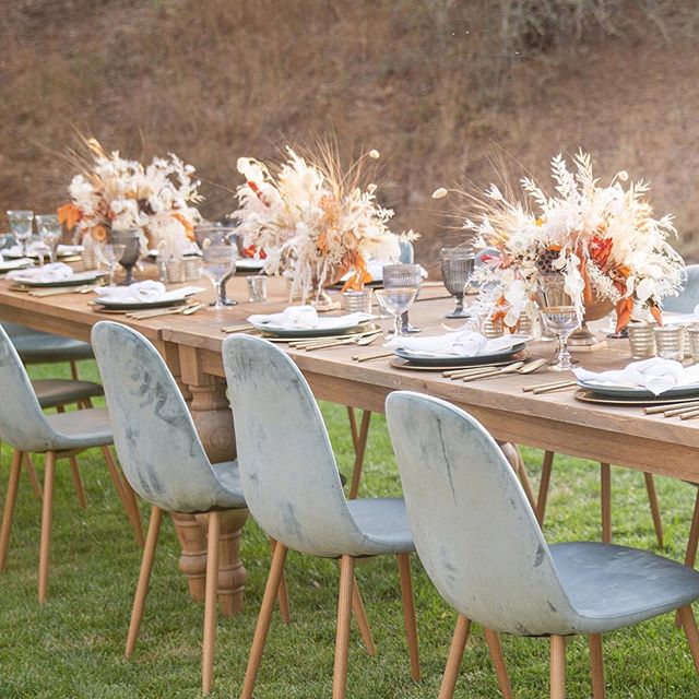 Fall is full of dinners under the stars and outdoor adventures with companies we are truly blessed to work with! • • • • Photo @mindytanimotophotography  Rentals @adorefolklore  Venue @autocamp  Florals @isariflowerstudio  Culinary @farmtotablecateringg  #gatheroutdoors #corporateretreat #creativeexperience #staygolden #gather #californiadreamin #travel #visitcalifornia #yosemitenationalpark #airstream