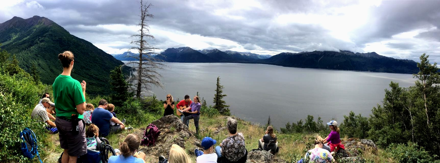 cool+panorama+of+outside+with+oceans+and+mountains+at+retreat.jpg
