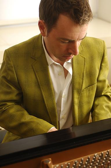 Pianist Matthew Fries