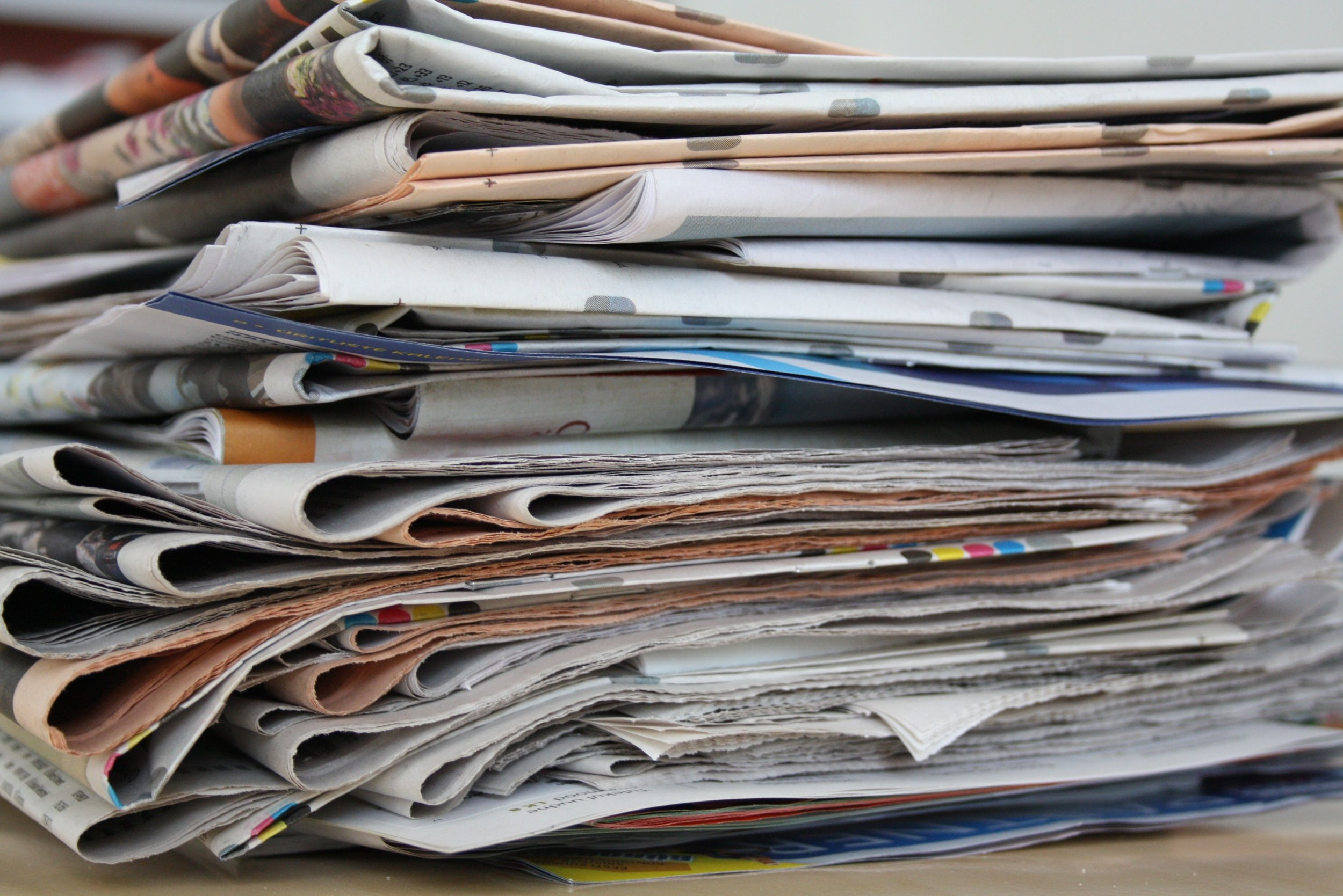 newspaper-newspaper-pile-old-newspapers-832539.jpg