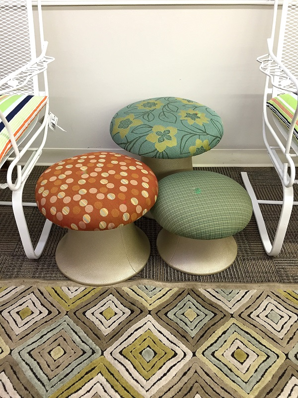 How to decorate with vintage furniture
