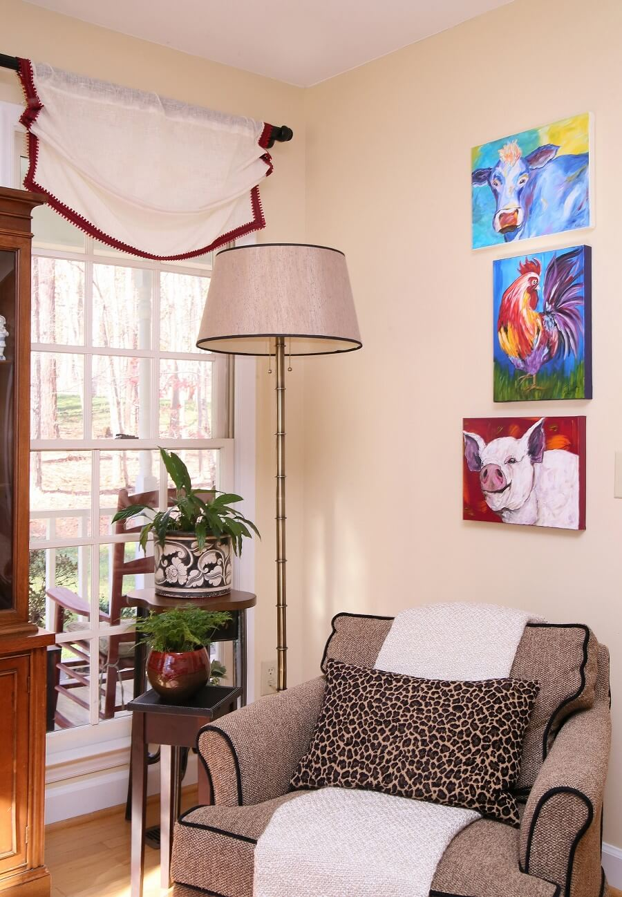 Neutral furnishings work well with colorful trim, accessories and local artwork.