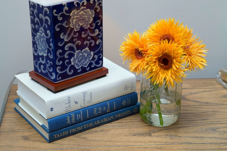 blue-white-ralph-lauren-table-lamp
