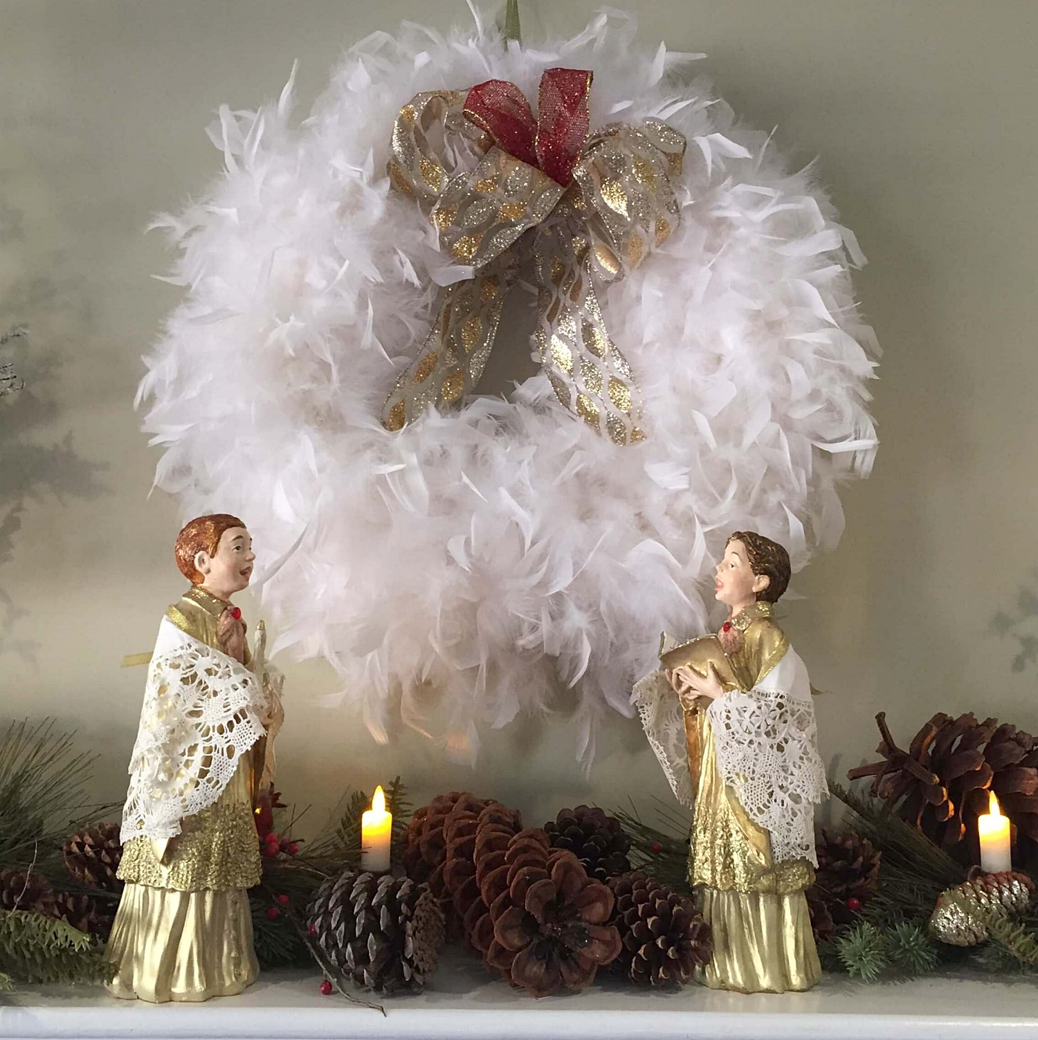 Christmas_mantel_angels.jpg
