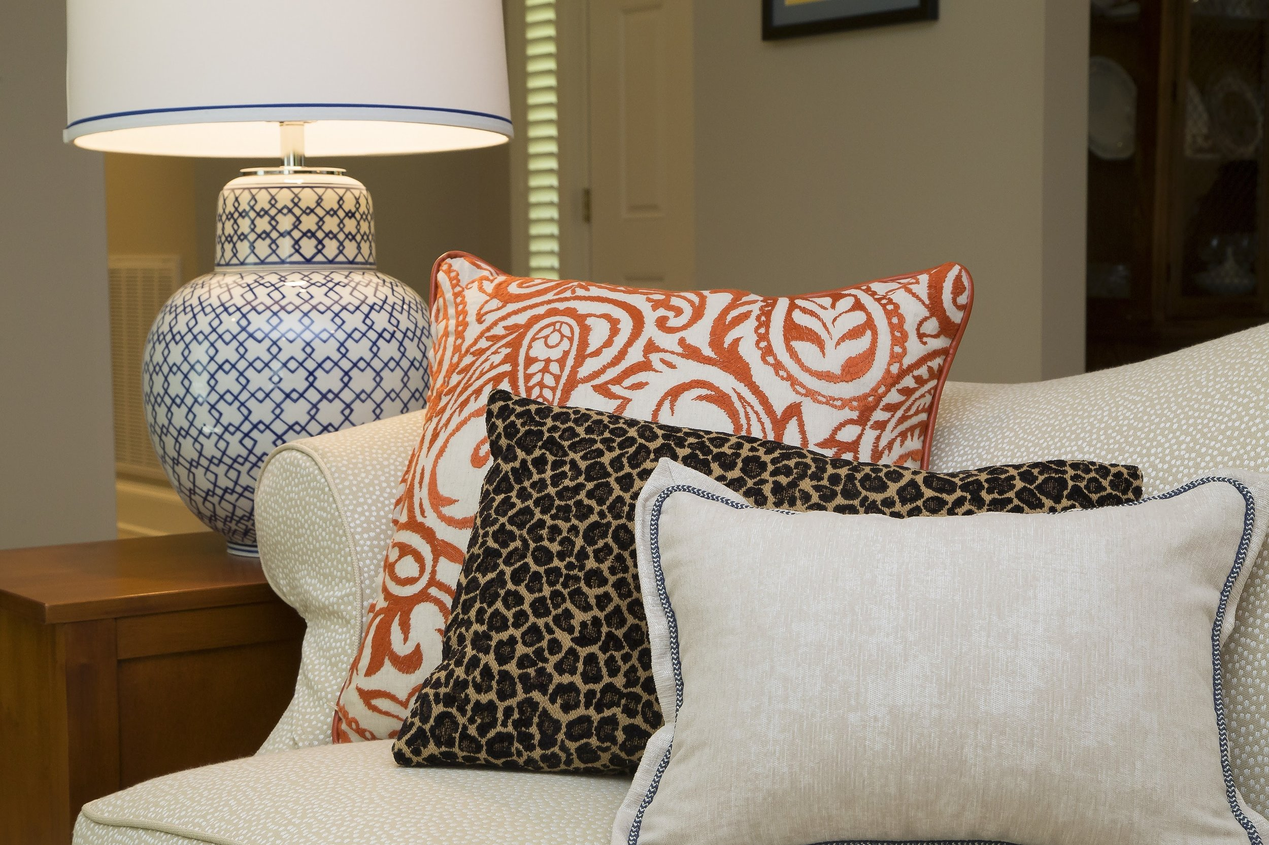 Do accent pillows have an impact? We think they do!