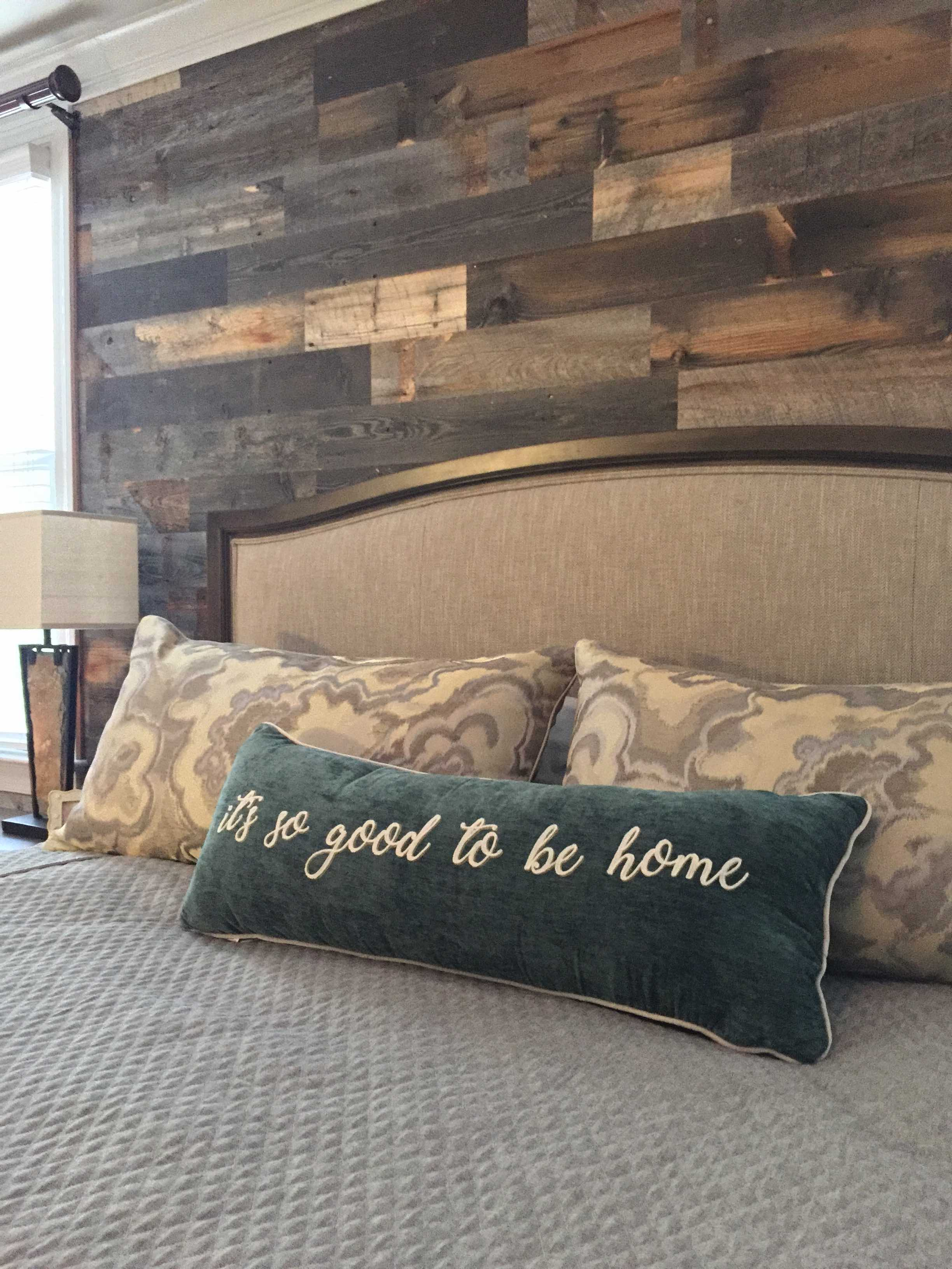 stikwood_reclaimed_wood_accent_wall.jpg