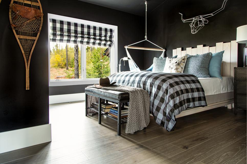 dream_house_dark_wall_color.jpg