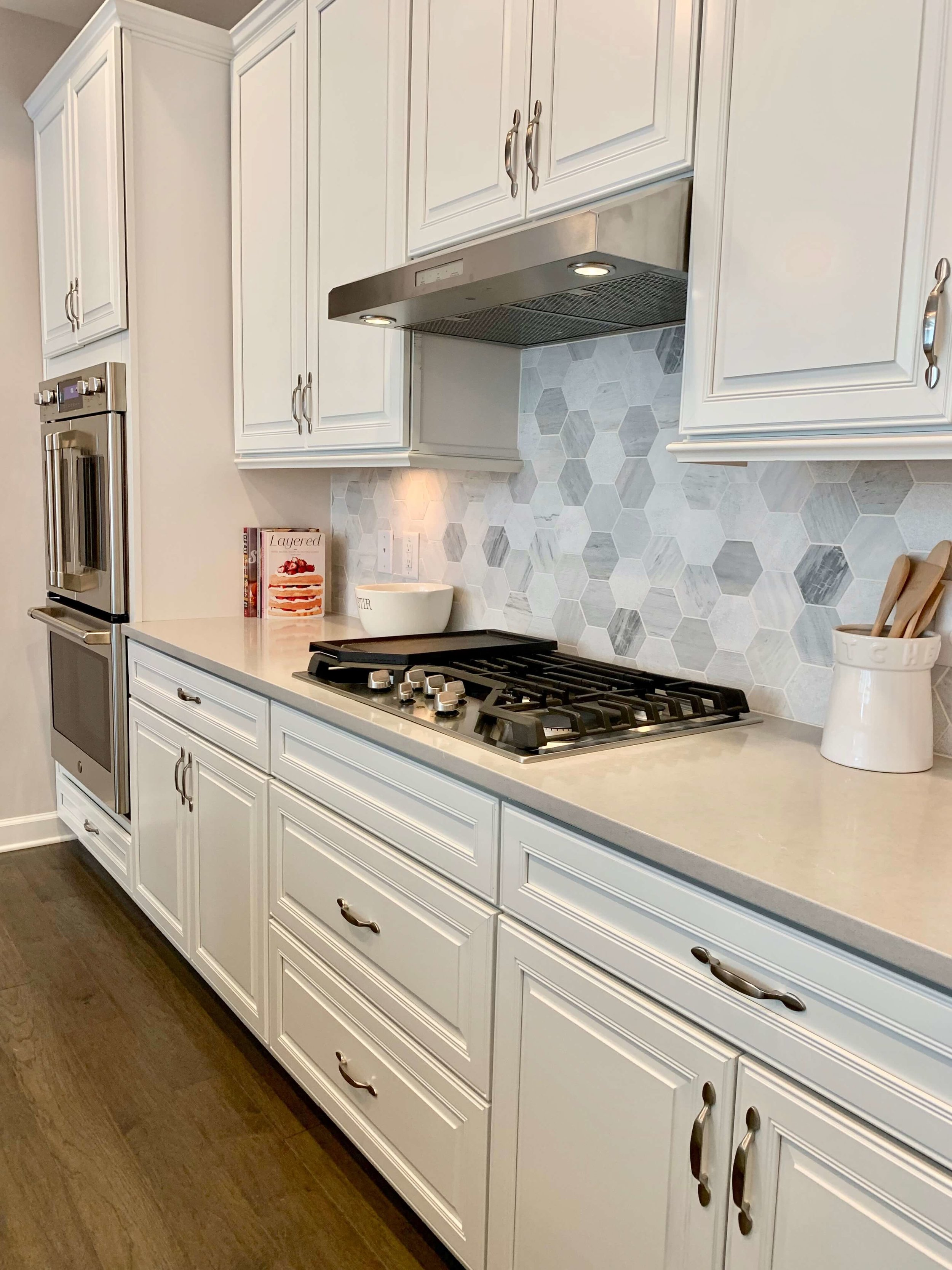 model-home-white-kitchen-raleigh-decorator.jpeg