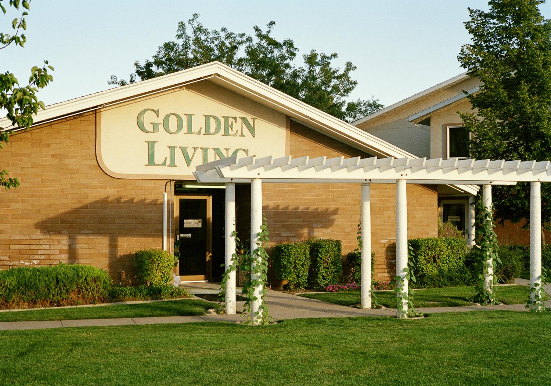 GoldenLivingFR(1).jpg