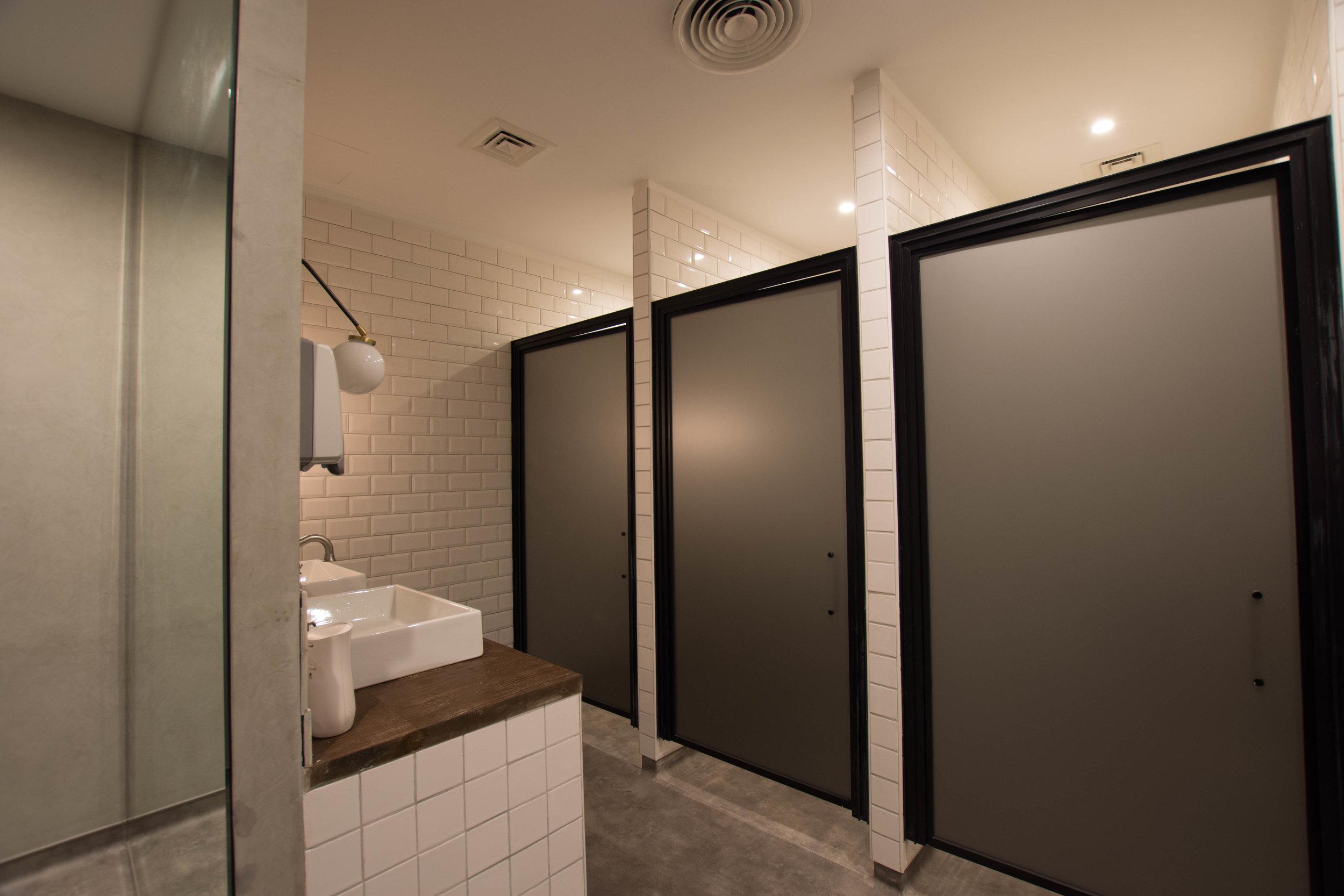 Mens Bathroom 1.jpg