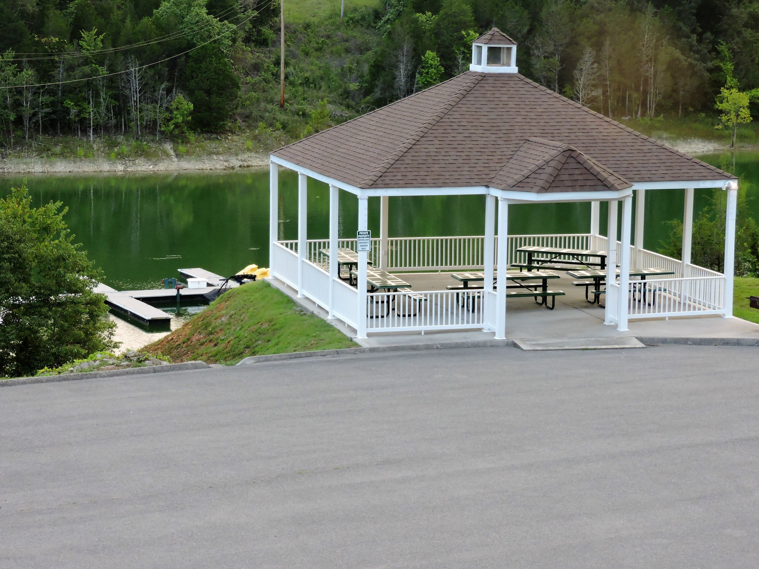 Tennessee_Golf_Woodlake_Norris_Lake_Pavilion.jpg