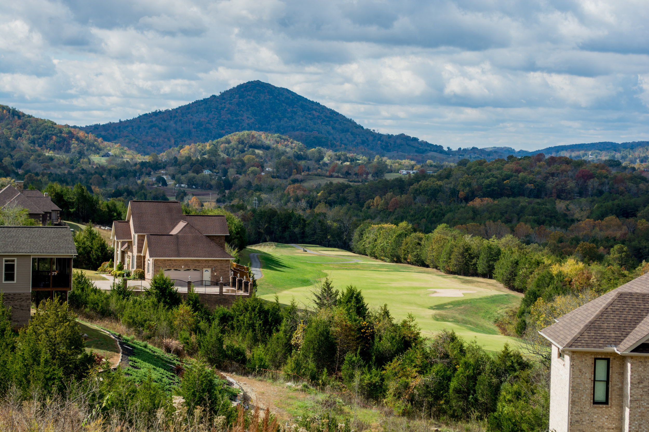 Woodlake-Mountain-Golf-Course-Views