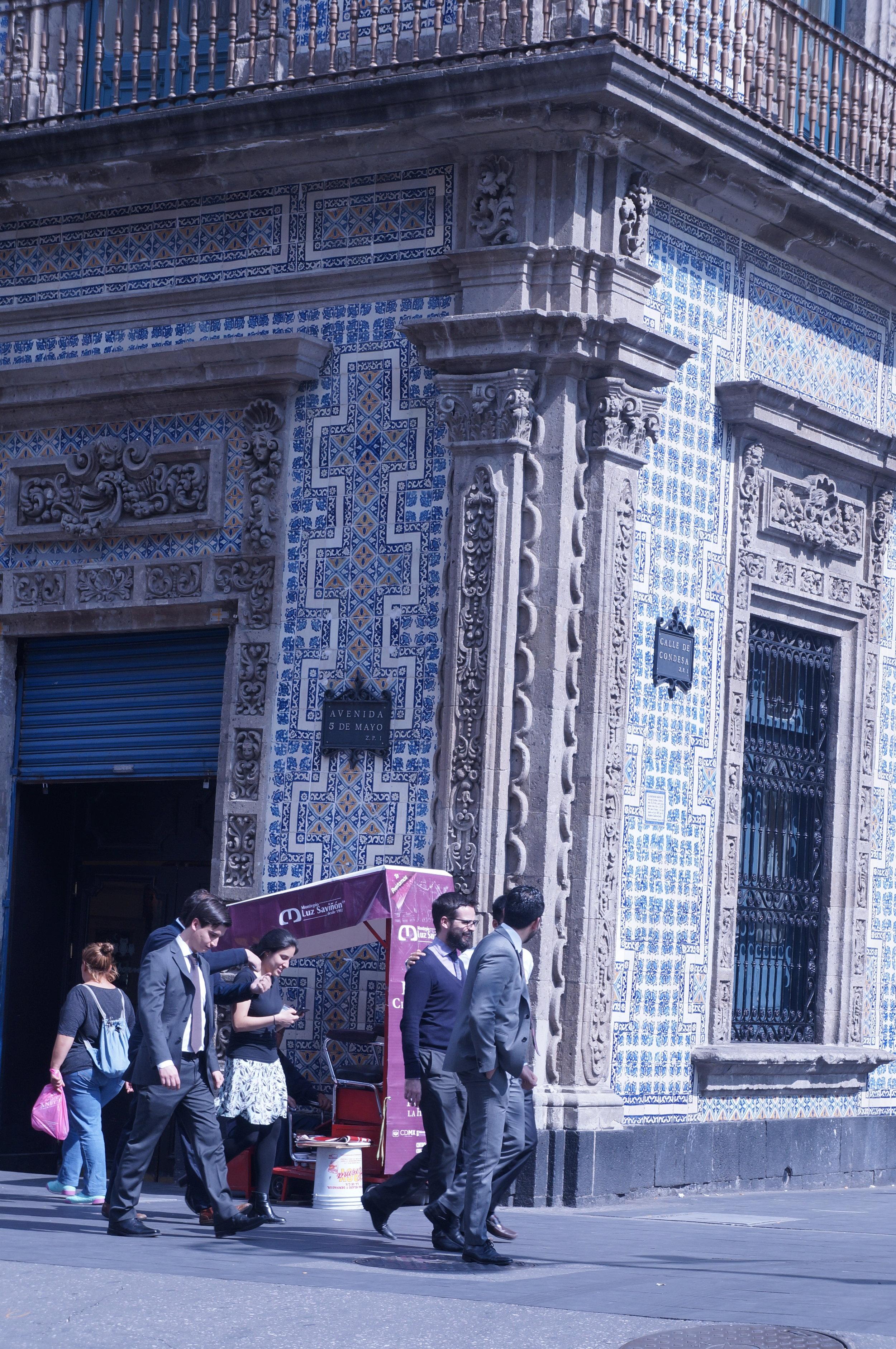 Casa de los Azulejos, Central Mexico