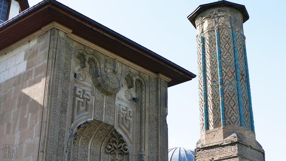 ince-minareli-madrasa-18.jpg